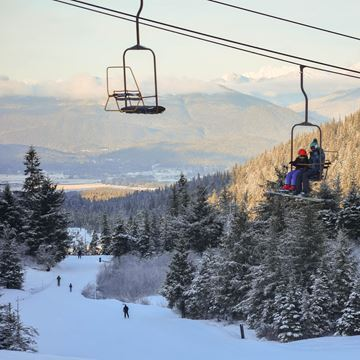 Picture of Spring Adventure Series (Ski/Snowboard, Ages 6-14)
